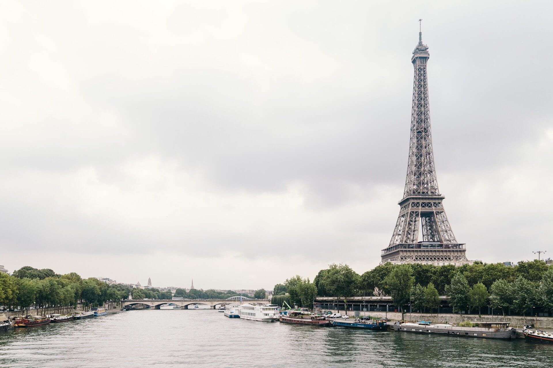 フランス駐在妻がよっぴ式でブログを始めました。